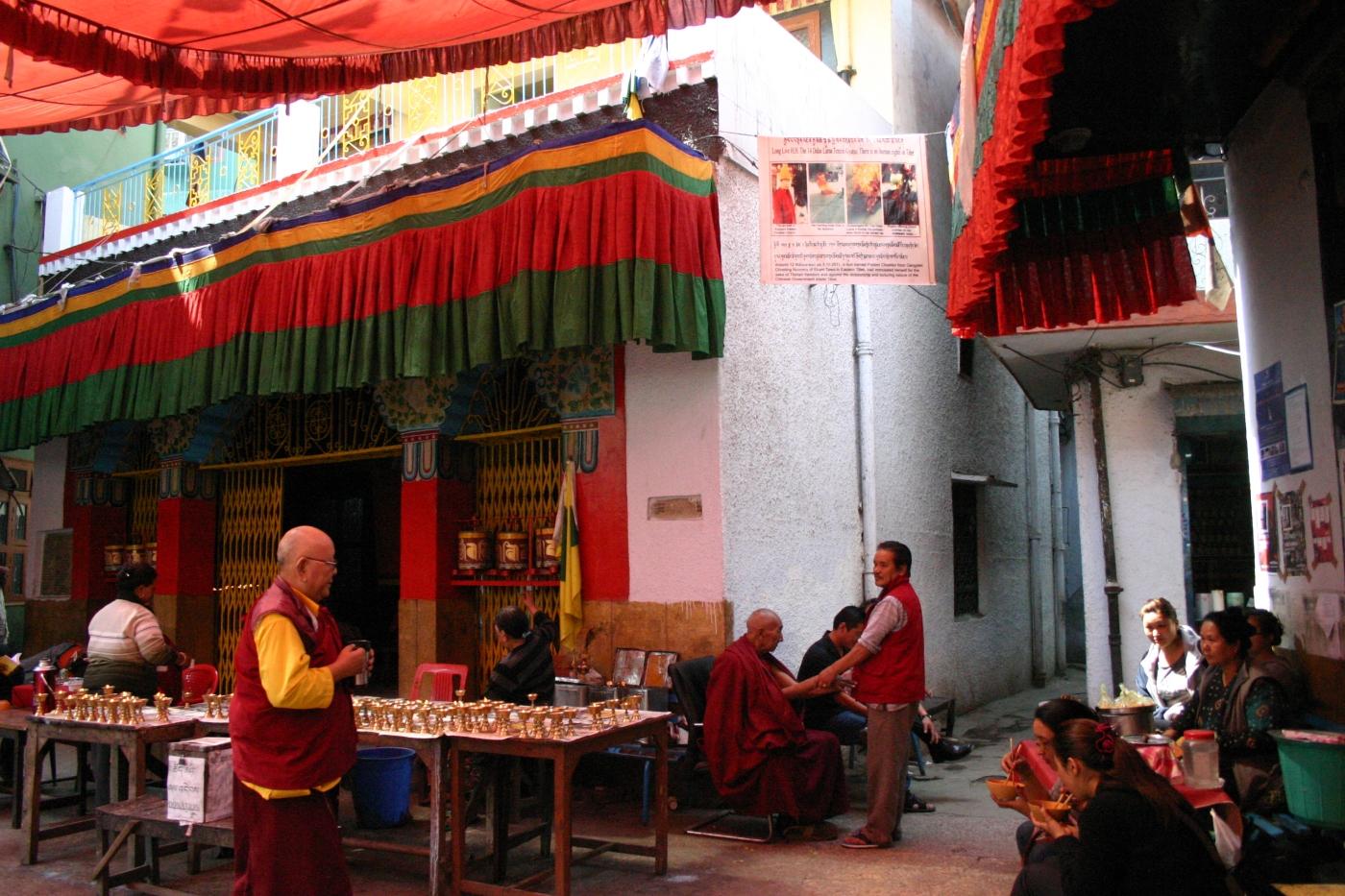 Majnu Ka Tila courtyard
